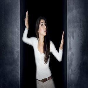 woman suffering from claustrophobia